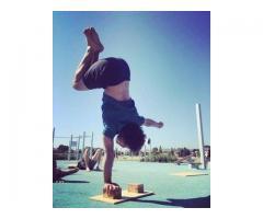 Suby Handstands